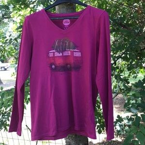 M- Life is good long sleeve V-neck T-shirt.